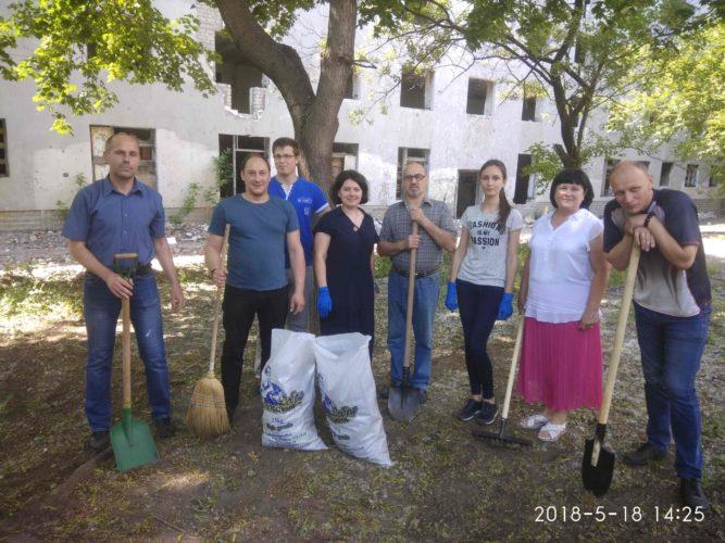 Працівники департаменту провели суботник до Дня Європи