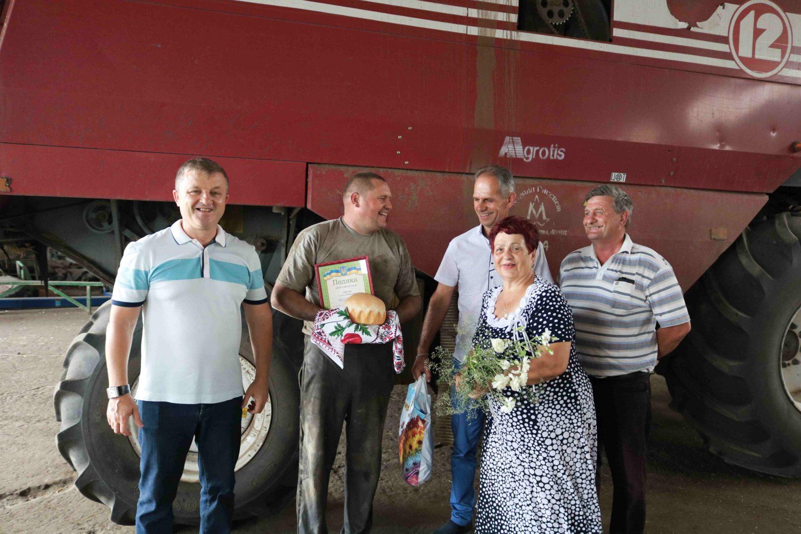 У Мар'їнському районі відзначили кращих комбайнерів
