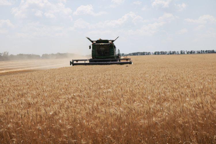 Збирання врожаю ранніх зернових та зернобобових культур у Мар'їнському районі станом на 04.07. 2019 року