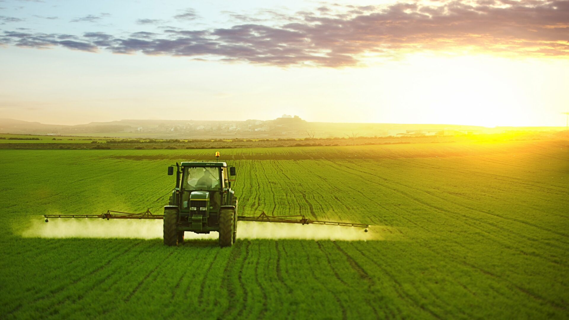 До відома суб'єктів господарювання усіх форм власності, які планують застосування, зберігання та торгівлю пестицидами
