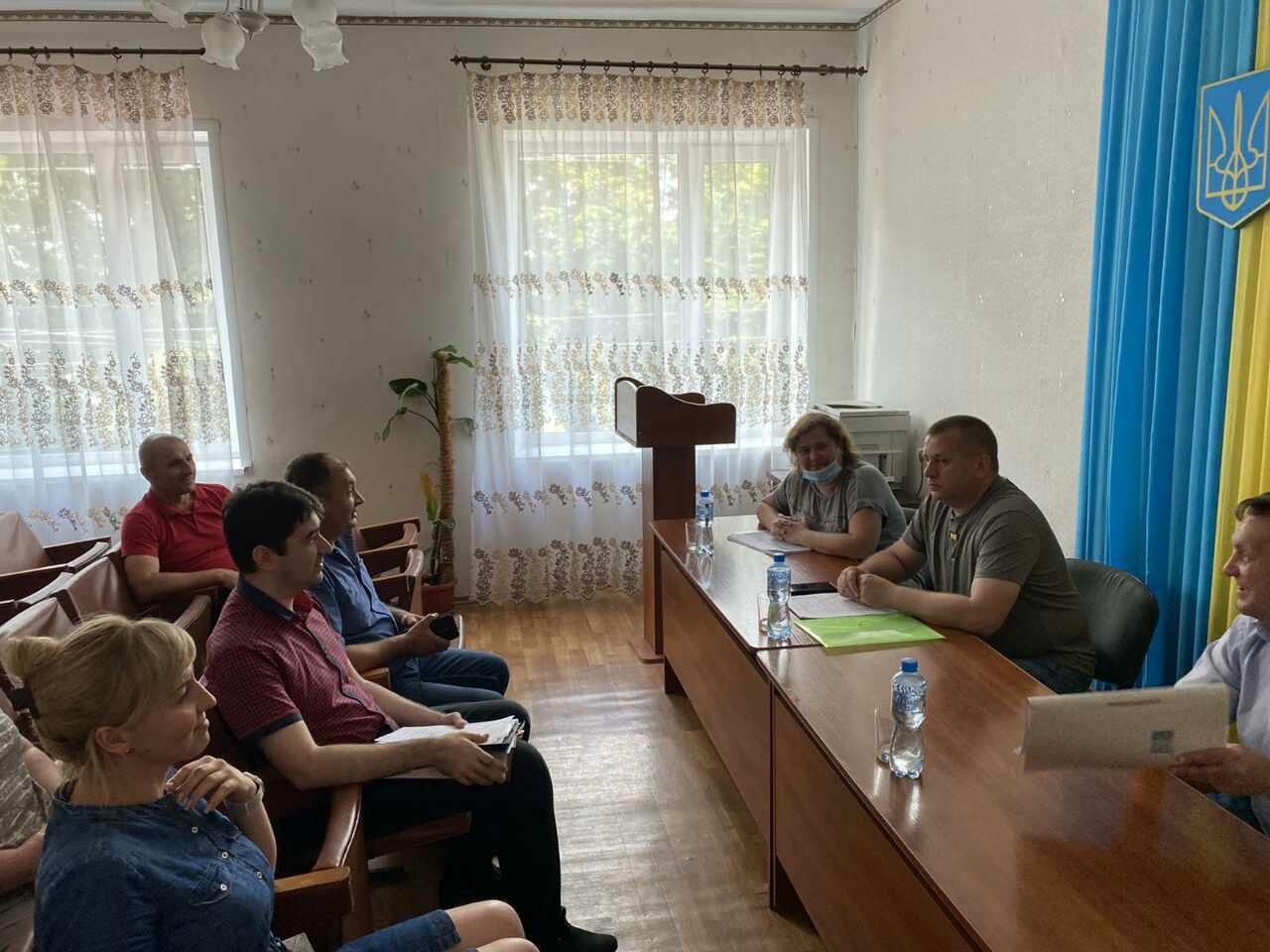 Було проведено семінари щодо державної та регіональної підтримки й земельної реформи в громадах Донецької області